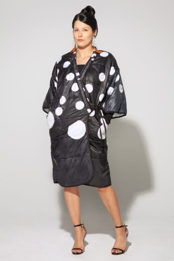 Dot puffy coat front